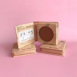 Le fard à joues 03 Chocolat à utiliser en blush ou en contouring#beauténaturelle #beauté #organic #copineslineparisbio #nature #makeup #bio #maquillagebio